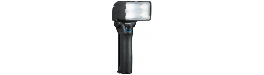 NISSIN MG10: IL FLASH PROFESSIONALE A TORCIA